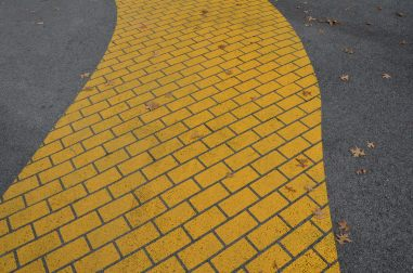 Yellow lane roadway
